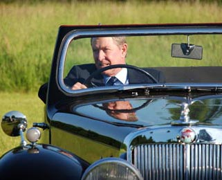John Nettles (of Midsomer Murders and more importantly Bergerac) when he was interviewed in our Roadster!